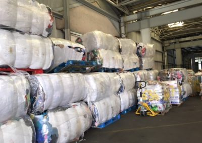 2018,V44, 36 Used Clothing bales of 450 kilos each!